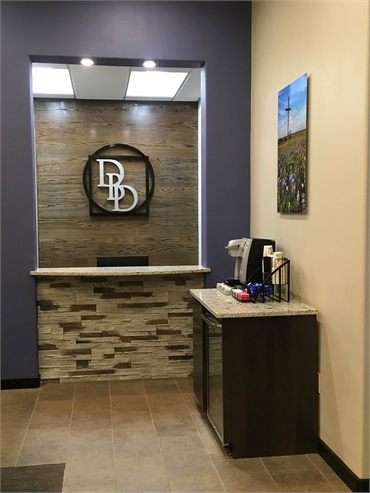 Reception area at Dentistry By Design located just 3.7 miles to the west of Breckinridge