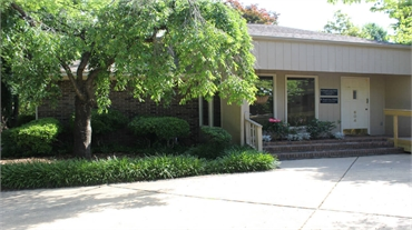 Exterior view of Dr. Brian Cook's dental office in Huntsville AL