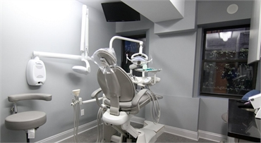 Dental chair at Advanced Dental Arts