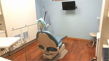 Dental chair at Dental Implant Solutionz Largo FL 33771