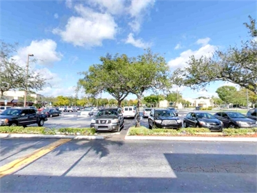 Parking area just in front of Smile Design Dental Coral Springs FL 33071