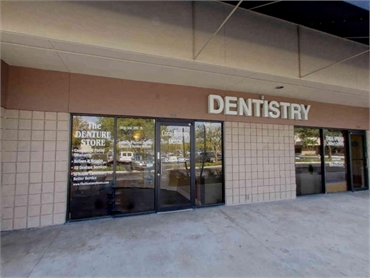 office front Smile Design Dental Coral Springs FL