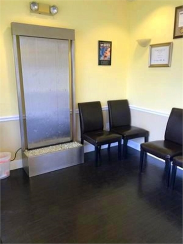 Waiting area at Smile Design Dental located to the west of Outback Steakhouse
