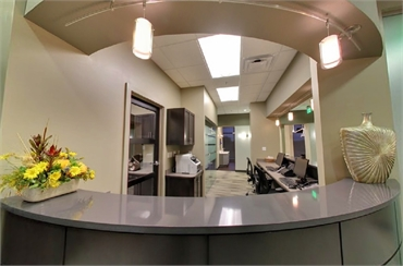 Front desk at denture clinic Kansas City Gordon Dental