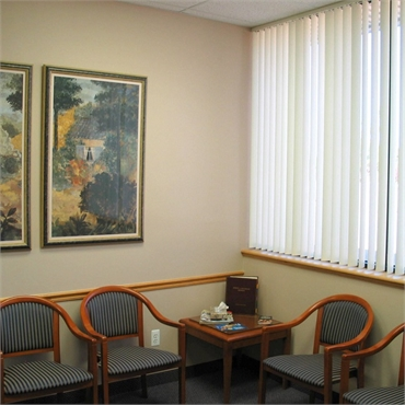 Waiting area at the office of Clinton Township dentist Michael J Aiello DDS