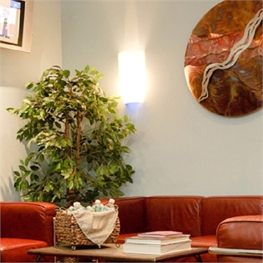 Waiting lounge at the office of Hackensack best dentist Rolando Cibischino DMD