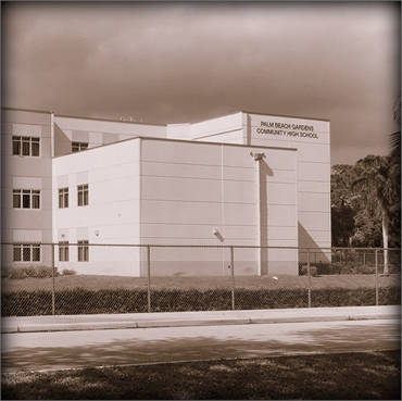 palm beach gardens community high school few paces to the north of palm beach gardens dentist everla