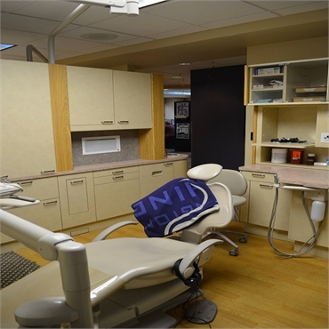 Dental chair at Sound to Mountain Dental Health Center Tacoma WA