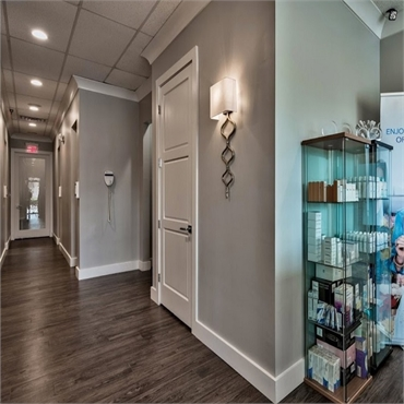 Well lit and pleasant interiors at Smileology Santa Rosa Beach