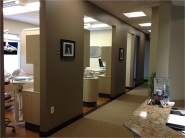 Hallway and operatories at the office of Knoxville dentist Robert M. Kelso DDS