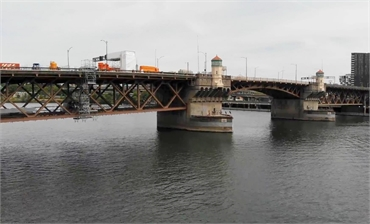 The iconic Burnside Bridge at just 5 minutes drive to the west of Portland cosmetic dentist Timber D