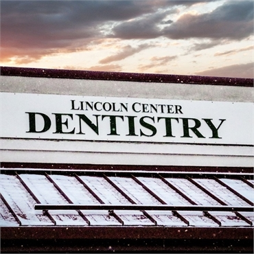 Signboard at Englewood CO dentist Lincoln Center Dental