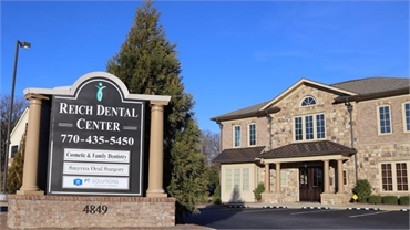 Signboard and exterior view Reich Dental Center Smyrna GA