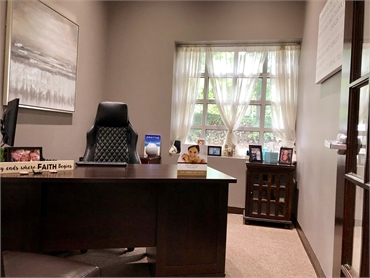 Consultation room at Suwanee dentist Exceptional Dentistry at Johns Creek Judson T. Connell DMD