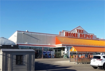 The Home Depot on Empress St 6 minutes to the north of Winnipeg dentist Integral Dental