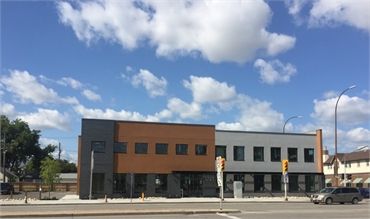Exterior view of Winnipeg dentist Integral Dental