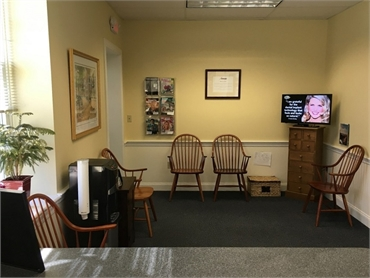 Waiting area and refreshments at Freeman Dental Associates Cohasset
