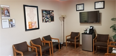 Waiting area at Scottsdale dentist A Reason to Smile