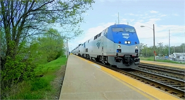Amtrak train at South Bend Station 6.7 miles to the south of South Bend dentist Tulip Tree Dental Ca