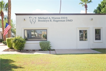 Exterior view Litchfield dentist Warren and Hagerman Family Dentistry