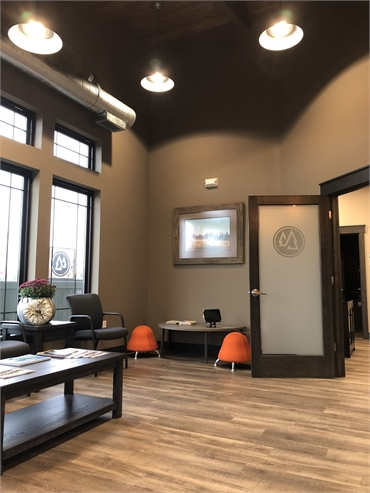 Spacious waiting area at top Medical Lake cosmetic dentist Best Impression Dental Dr. Alicia G. Burt