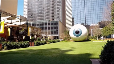 Giant Eyeball at 10 minutes drive to the south of Dallas dentist Fitz Dental