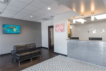 Waiting area and reception area at Dallas dentist Fitz Dental