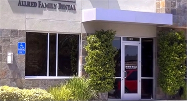 Exterior view of San Marcos dentist office Allred Dental