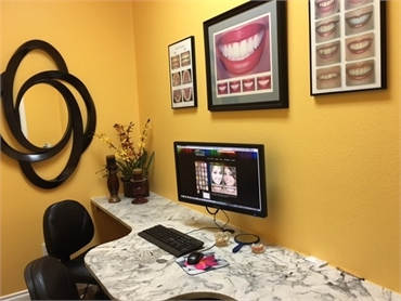 The consultation room at Longmont CO dentist Artistic Smiles