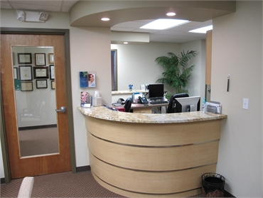 Front desk at Bancroft Family Dential Aurora IL 60506